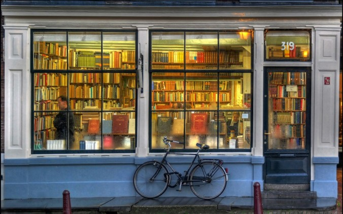 bicycles-books-book-store-rain-2646-1280x800